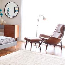 Echtleder-Sessel inkl. Fußhocker, cognacfarbenes Vintageleder, Holzgestell