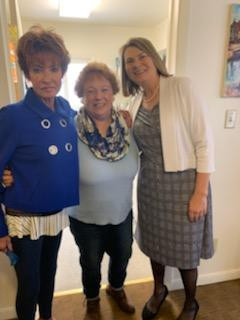 Mrs. Susan Thomas, Maureen Barnes, and First Lady Gordon