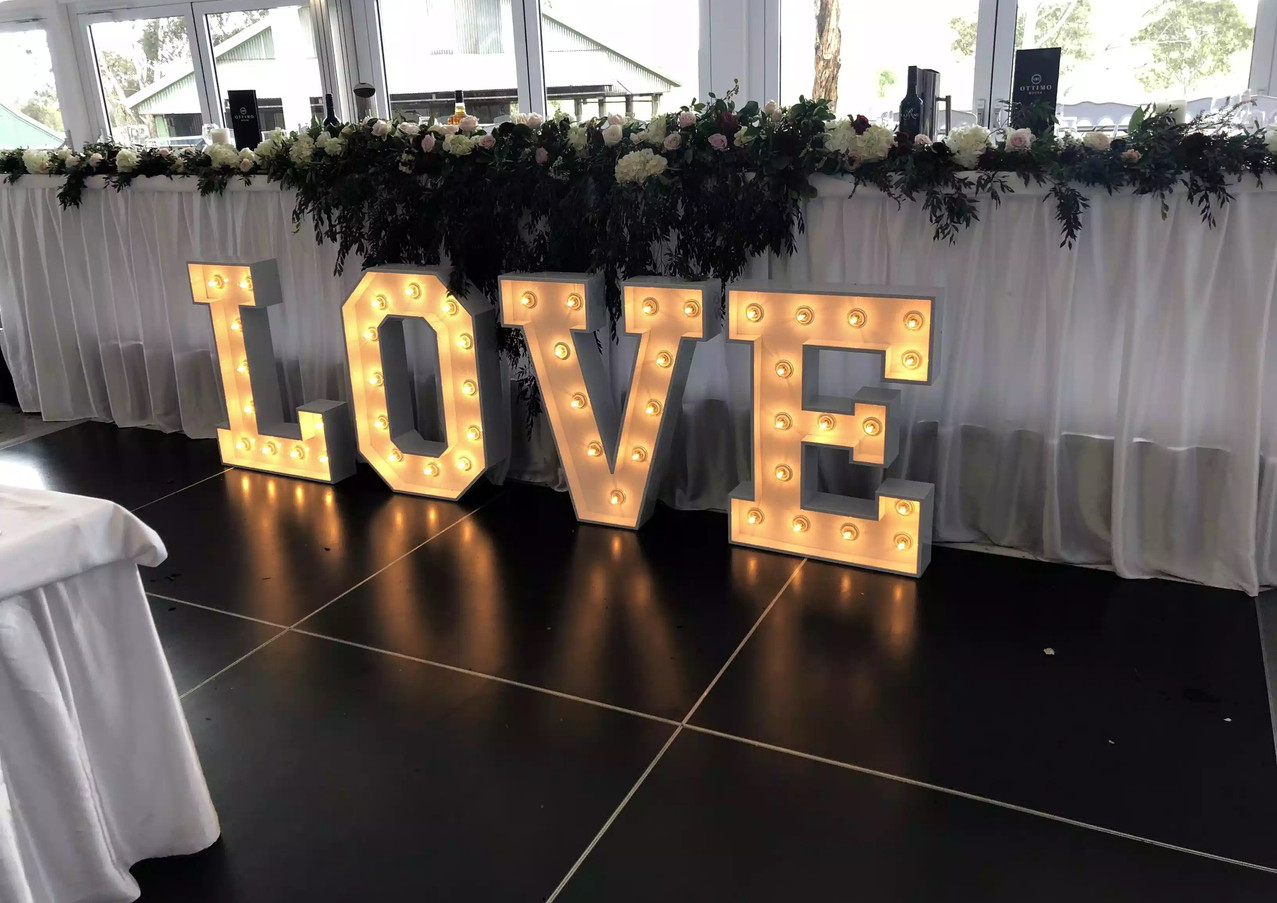 85cm LOVE Marquee Lights