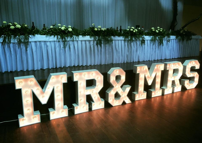 Mr&Mrs Marquee Lights