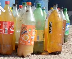 Use garrafa pet para armazenar óleo de cozinha usado