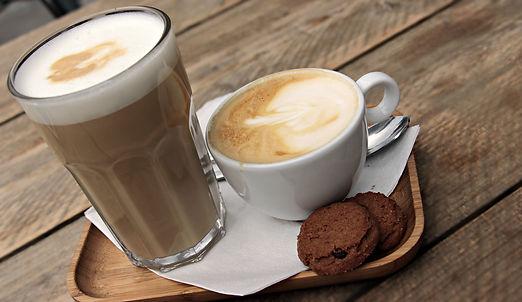 latte-macchiato-3669136.jpg