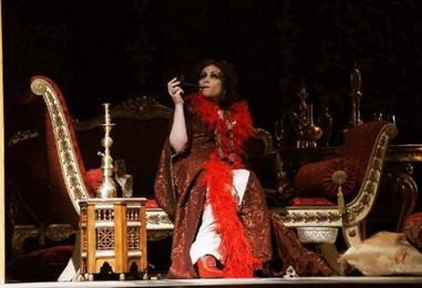 la-traviata-operasi-ferzan-ozpeteke-emanet-DHA-42aa8ca744a89f4c86e8b0bf7411134a-4-t.jpg