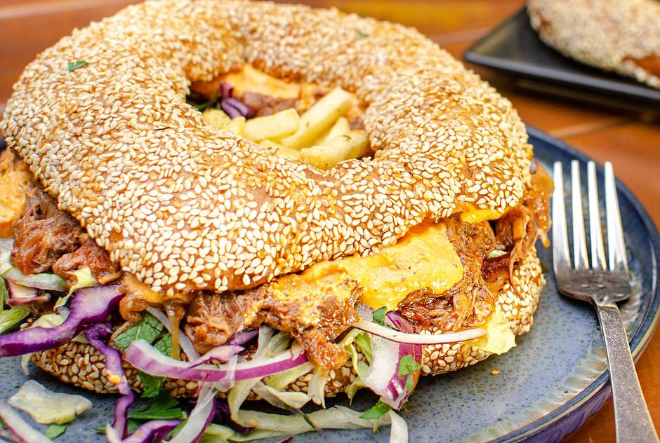 The stupendous stifado bagel
