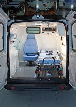 fiat-doblo-ambulancia-interno_01
