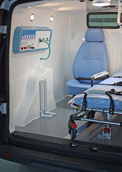 fiat-doblo-ambulancia-interno_03