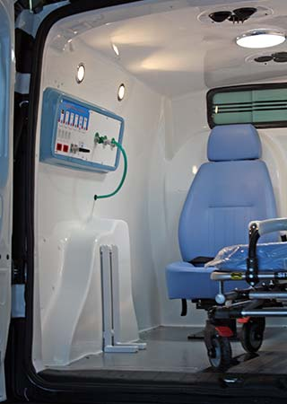 fiat-doblo-ambulancia-interno_05