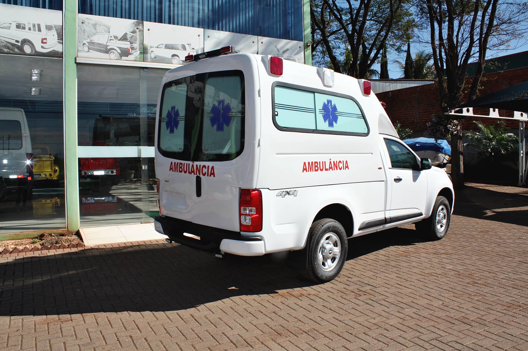 Transformação para S10 Ambulância.