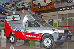 transformação Hilux CS Ambulância