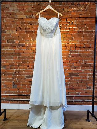 David's Bridal - Size 18