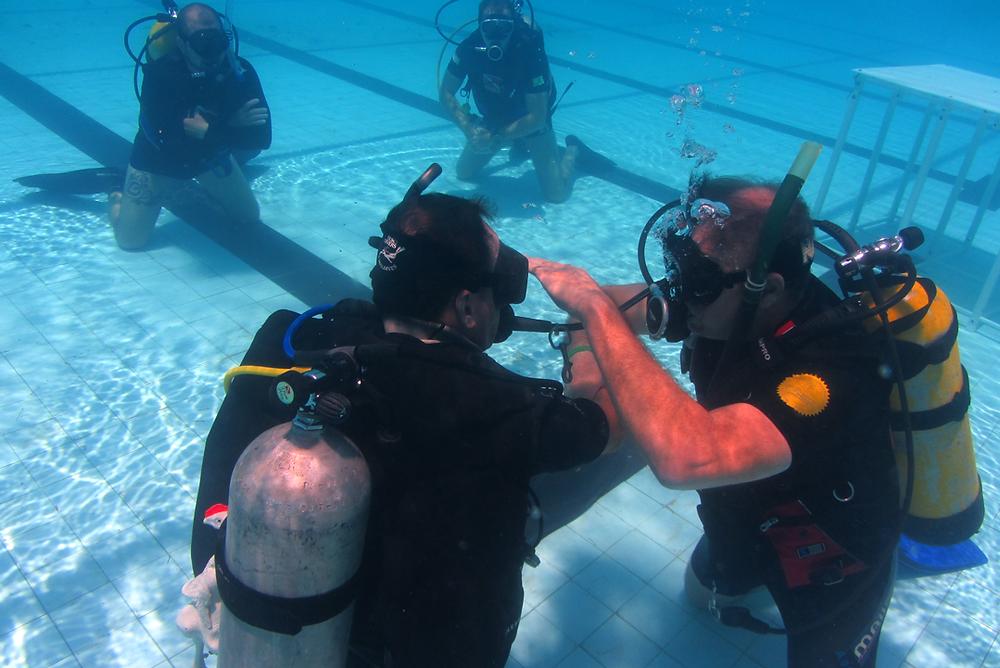 Treinamento de Mergulho em piscina