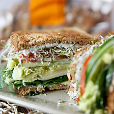 Ultimate Veggie Sandwich (v)