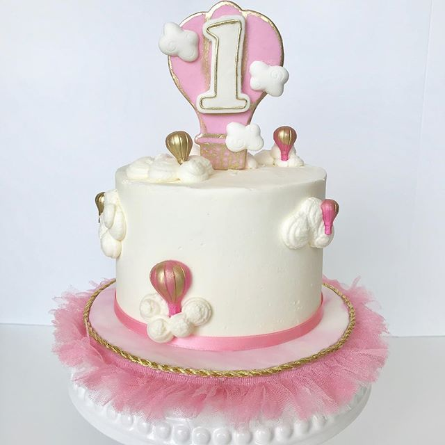 #upupandaway #smashcake #pinkandgold #ho