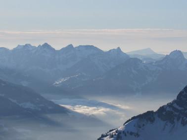 Nebelmeer und Sonnenspiel