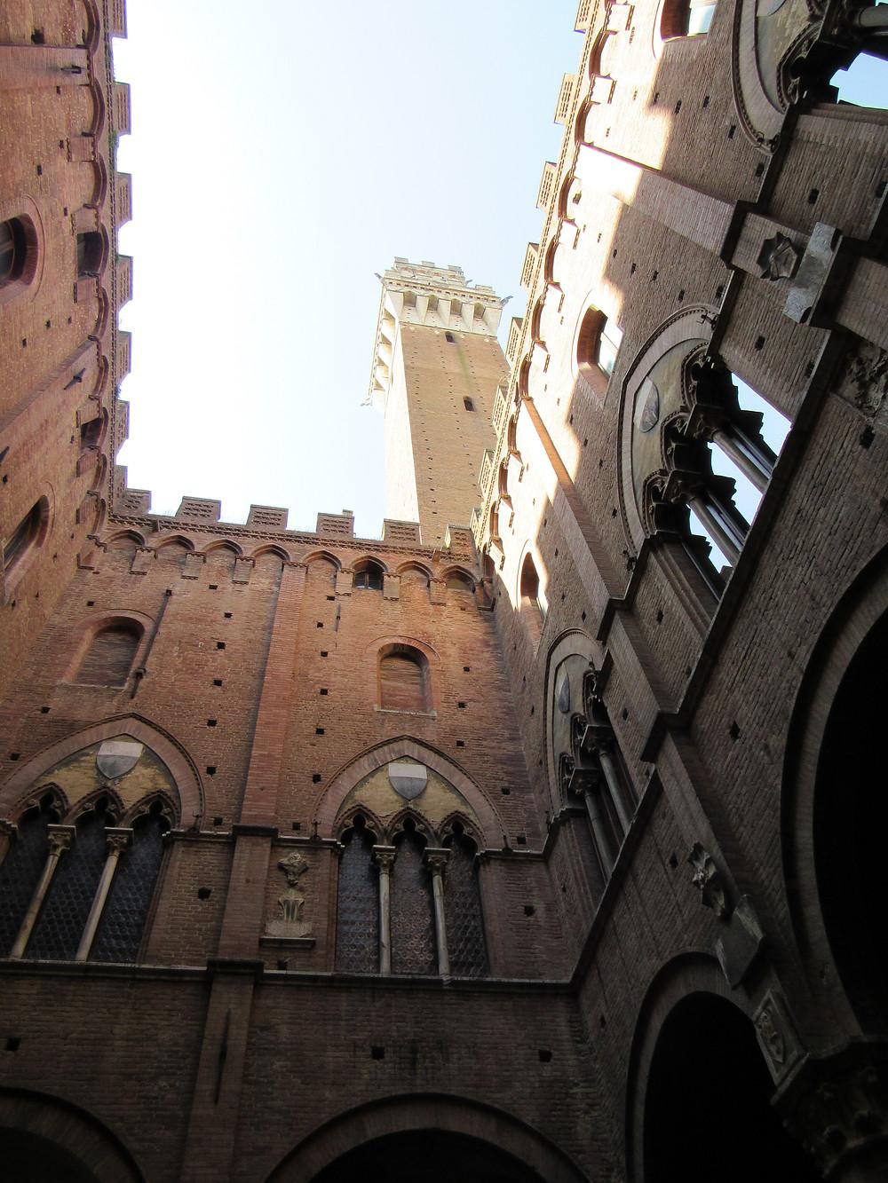 Innenhof des Palazzo Publico