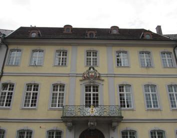 Erzbischöfliches Palais (Haus zum Ritter)