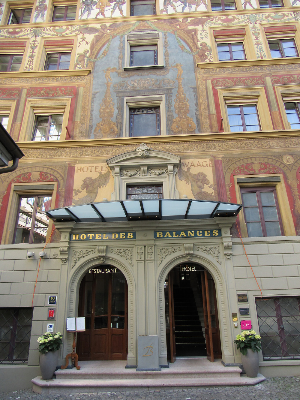 Fassade des Hotel des Balances