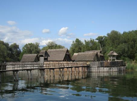 Pfahlbauten am Bodensee - Zurück in die Steinzeit