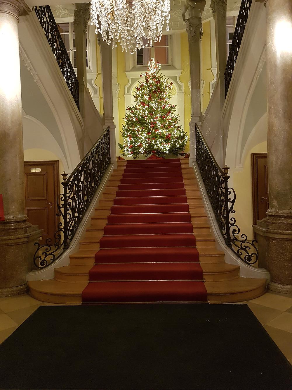 Treppenaufgang in einem münchner Stadthaus