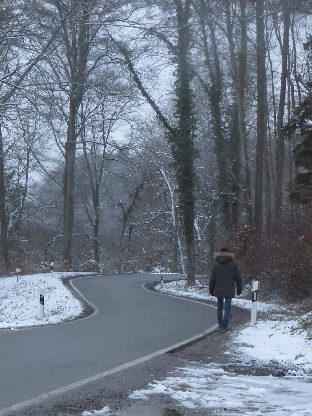 Unterwegs auf einsamen Strassen