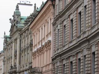 Häuserfassade an der Kardinal-Faulhaber-Strase