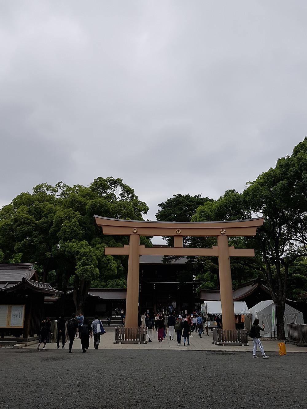 Tori vor dem Meiji-Schrein