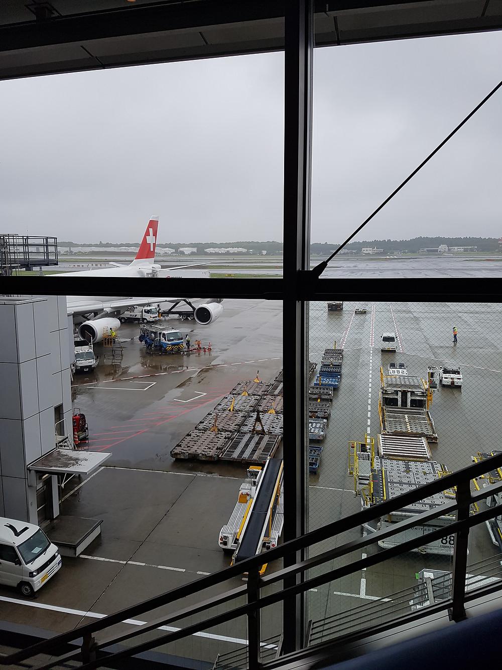 Ankunft mit Swiss am Flughafen Tokyo-Narita