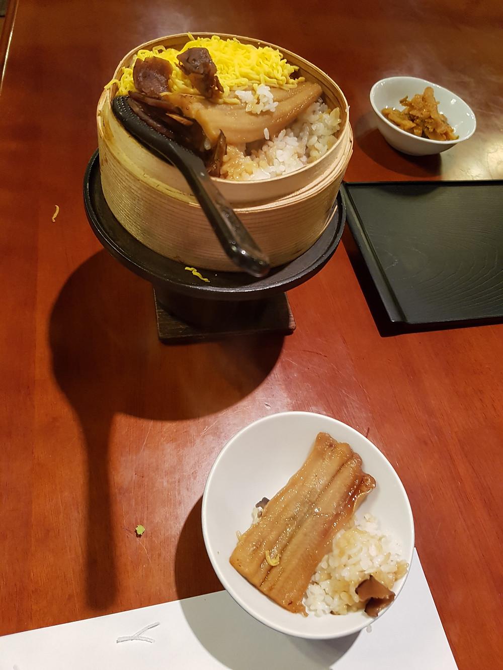 Reis, Eigelb und Fisch zum selber fertig garen