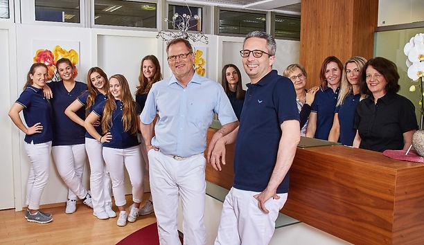 Zahnarzt Zahnarztpraxis Zahngesundheit Dr. Wagner Dr. Goldammer Böblingen Praxisteam Zahnarzt Zahnschmerzen