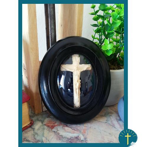 Crucifix - globe rétro