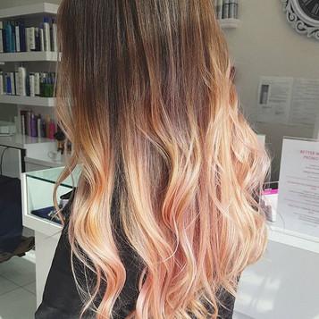 Feeling peachy 🍑🍑🦄 #pinkhair#peachhai