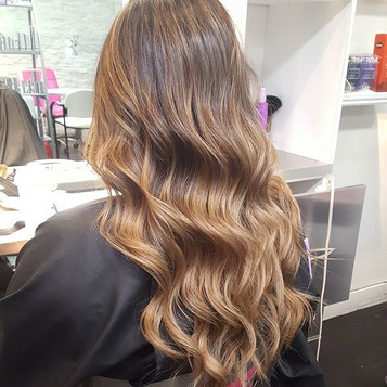 😍😍 loving this color and curls for fal