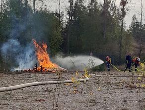 Holzstapelbrand Peterheide (7).JPG
