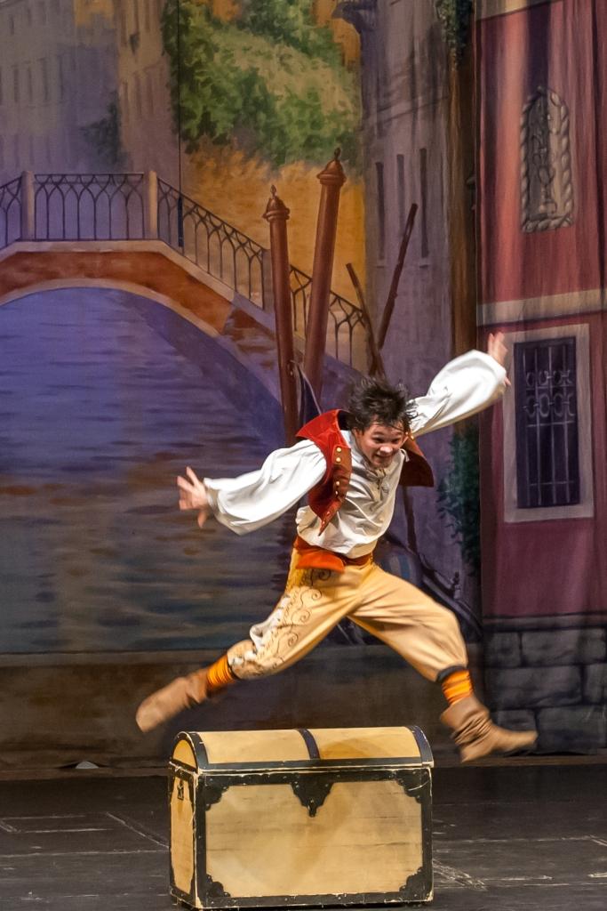 Труффальдино из Бергамо Петербургская оперетта Сергея Шалагина (13)