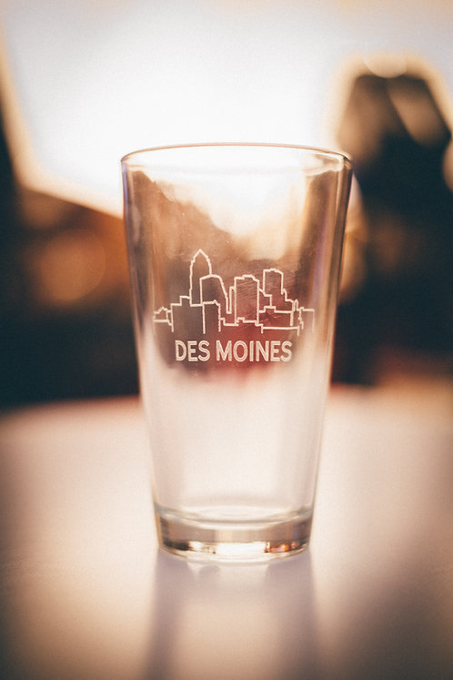Des Moines Skyline Pint Glass