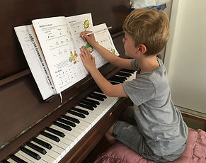 Primary school Piano student