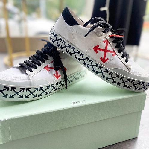 Off white Vulcanised  arrow sneakers