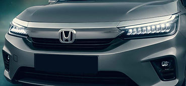 The Honda City's chrome front grille:picture:hondacarindia.com