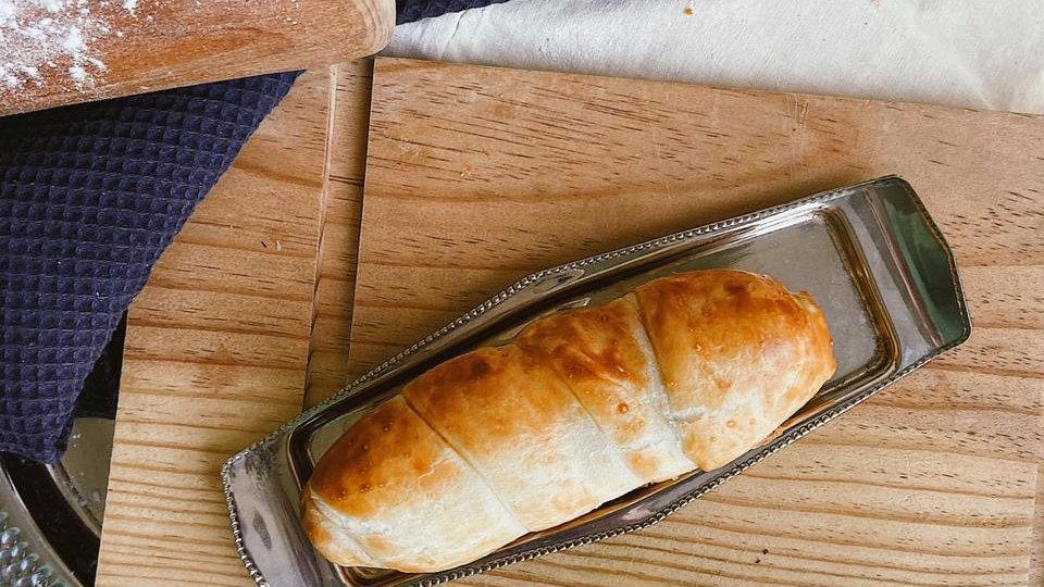 Венская сосиска в слоеном тесте
