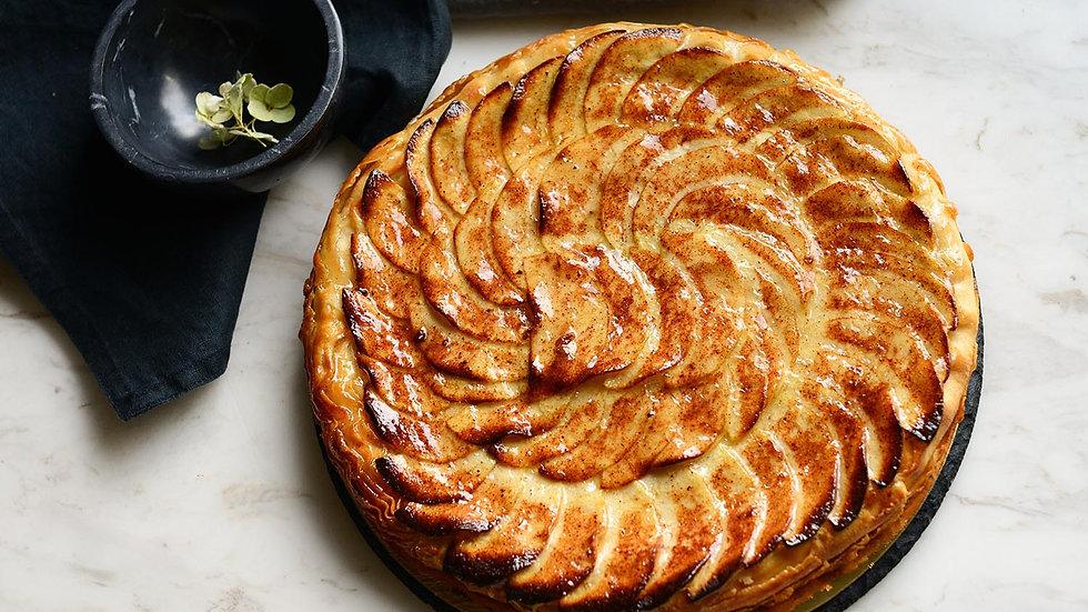 Слоеный пирог с яблоком