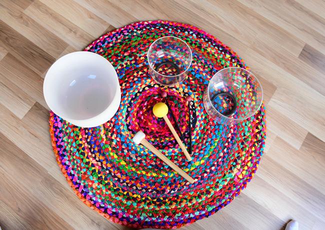 Circle mat and bowls.jpg