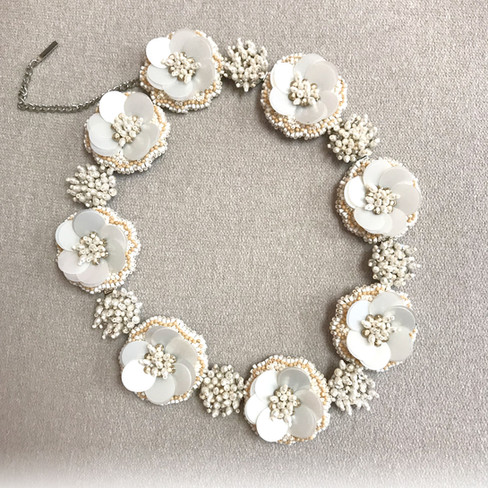 Many flowers necklace