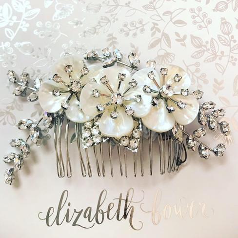 Head accesory: elizabethbower