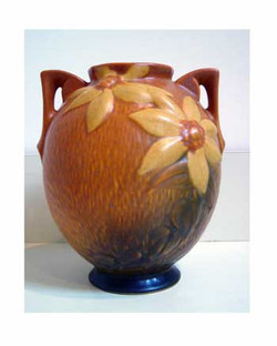 Clematis Vase (Roseville)