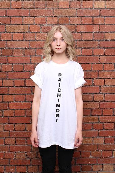 DAICHI MORI Tシャツ<縦ロゴ>(白)