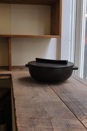 【内田 可織】黒・蓋フラット土鍋(3〜4人用)