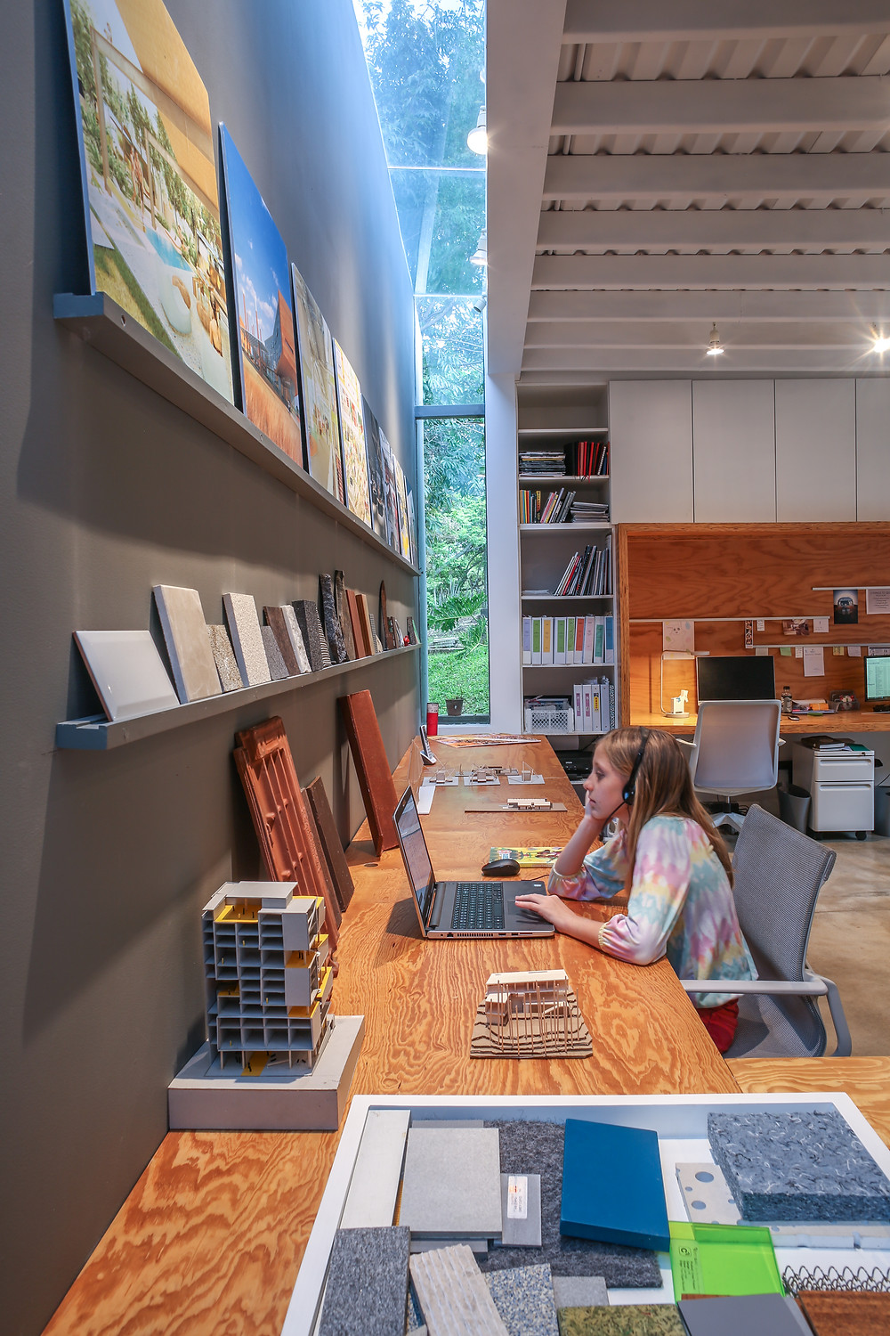 Open studio workspace designed by Inverse Project