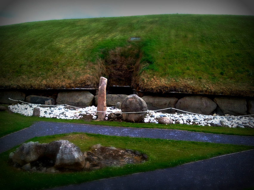 Entrance,central mound, Knowth