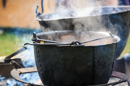 the dagda's cauldron in irish mythology