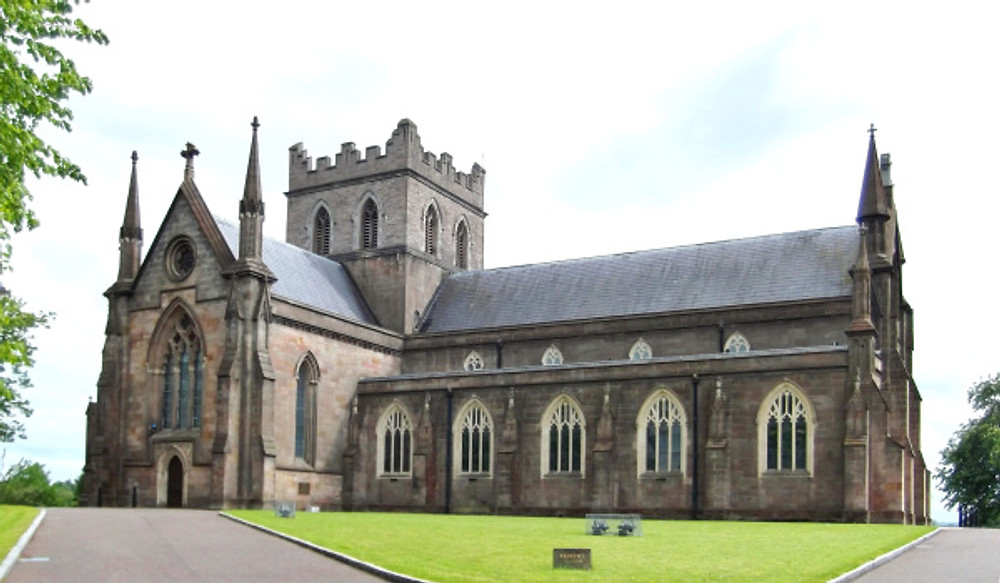 By JohnArmagh (shifted & cropped by Rabanus Flavus) - File:ArmaghCICathedral.jpg, CC BY-SA 4.0, https://commons.wikimedia.org/w/index.php?curid=59341076